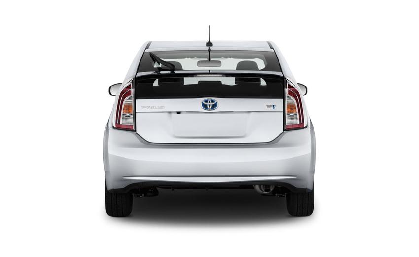 Toyota Prius 5 местный